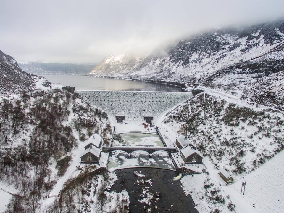 Caban Coch Dam in Winter